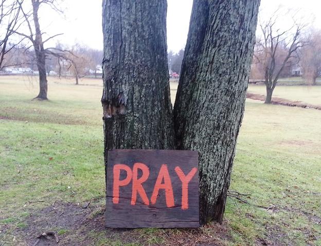 Newtown, 2012, Pray